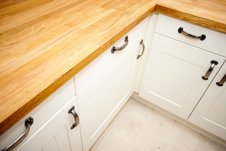 cabinet handles give your kitchen a quick and cheap face lift
