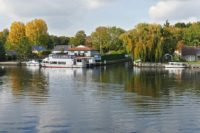 London Commuter Towns: Surrey