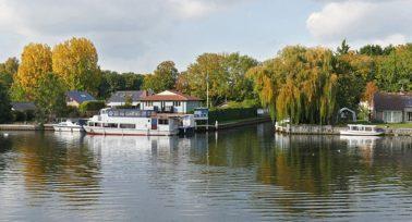 River view of Walton-on-Thames