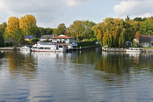 River view of Walton-on-Thames